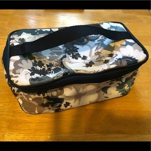 Thirty-one travel makeup bag